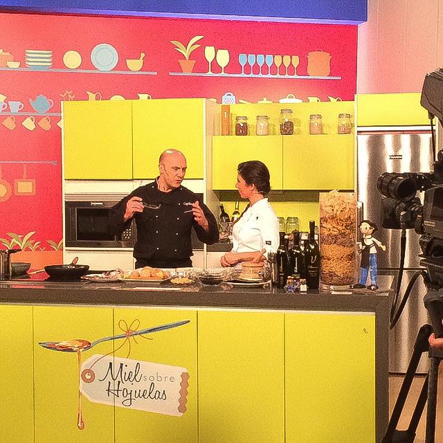 ESTEBAN CAPDEVILA EN TELEVISIÓN cocinando