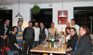 Chefs, amigos del vino y Esteban Capdevila en Bahía Taberna