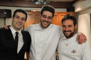 Alberto, su hermano y Chef Koki García y el Chef Miguel Ángel de la Cruz. Blog Esteban Capdevila