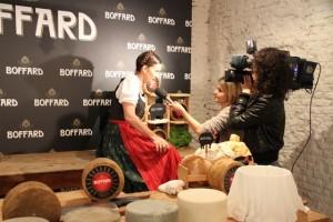 Entrevistas a Samantha Vallejo Nagéra en la presentación de los quesos Boffard Blog Esteban Capdevila