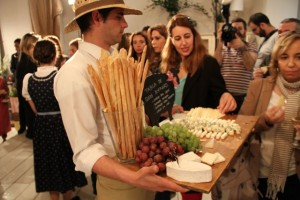 Catering de Samantha Vallejo Nagéra en la presentación de los quesos Boffard Blog Esteban Capdevila