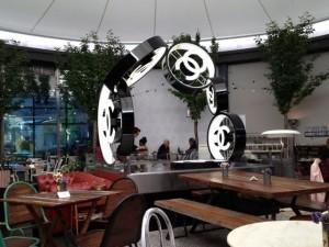 Escultura Chanel. Restaurante Casa Decor 2013. Blog Esteban Capdevila
