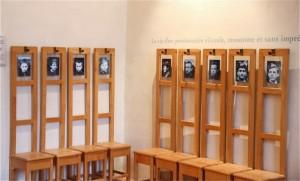 Alumnos de la Escuela Militar de Sorèze en sus sillas. Blog Esteban Capdevila