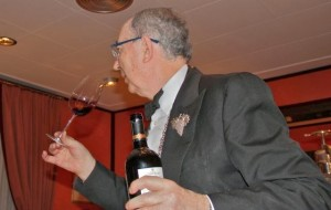 La liturgia del vino por Custodio en Zalacaín. Blog Esteban Capdevila