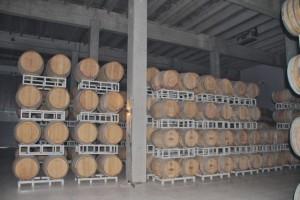 Sala temporal de barricas de la Bodega Habla. Blog Esteban Capdevila