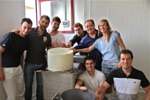 Paco Roncero y su equipo en Granja Cantagrullas. Blog Esteban Capdevila