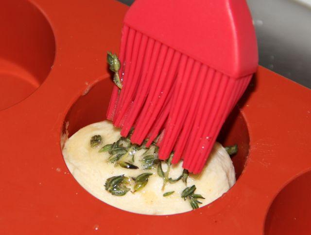 aderezando-mantequilla-de-tomillo-granvia-uno