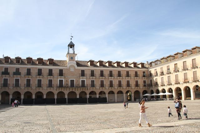 PLAZA-MAYOR-OCAÑA