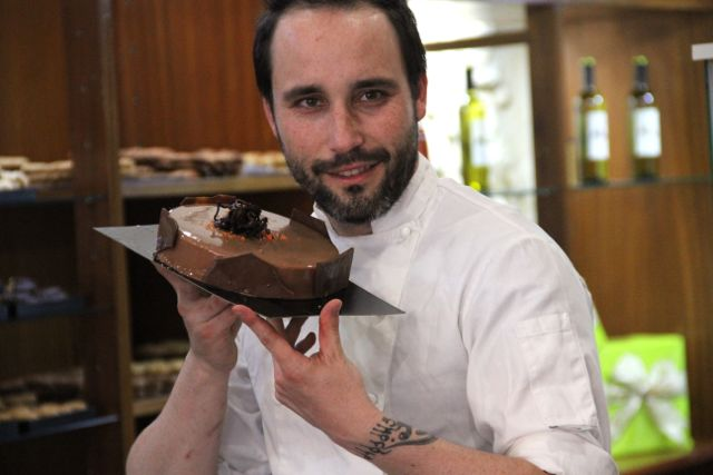 fran-con-tarta-de-chocolate
