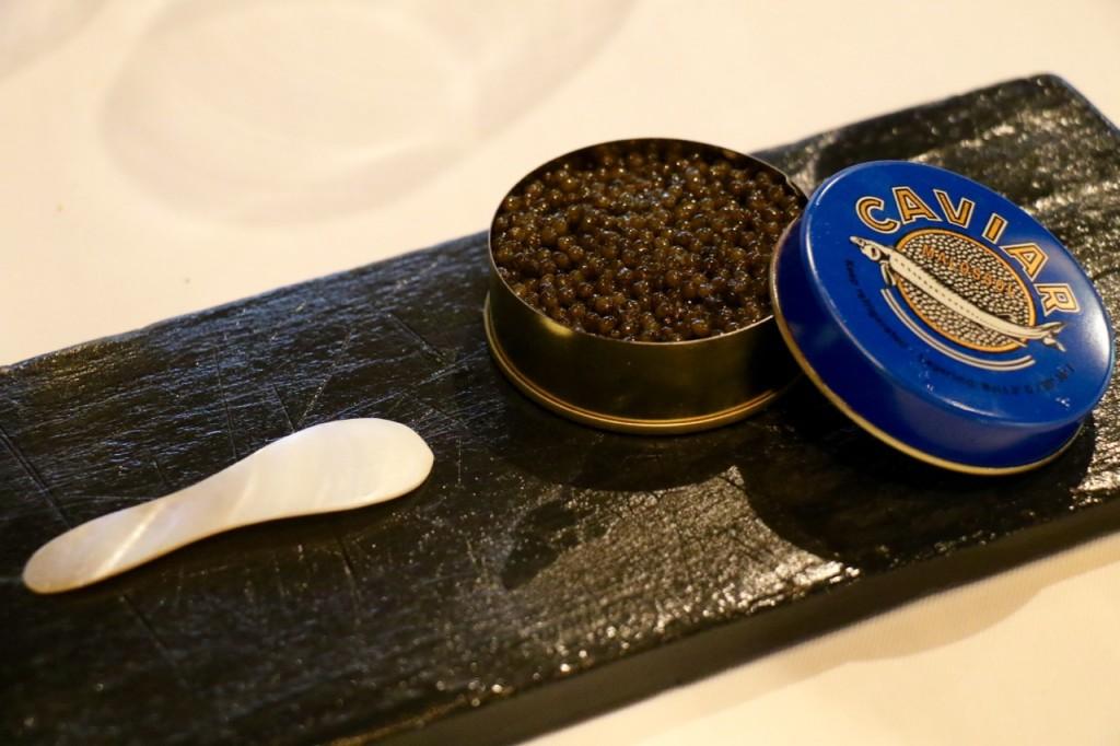 el-portal-la-table-krug-caviar-con-mantequilla-1
